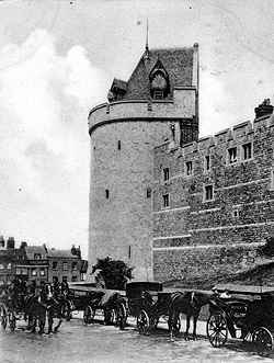 Curfew Tower from Thames Street 1900