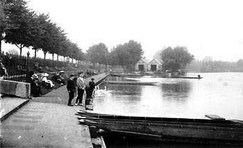Promeande and boathouses circa 1913